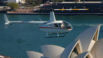 Privétour: helikoptervlucht over Sydney en lunch in de Sydney Harbour, Sydney