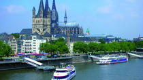 Cologne Super Saver: Sightseeing Cruise and Meal at Hard Rock Cafe Cologne, Köln