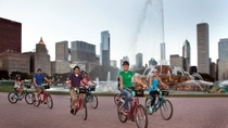 Recorrido nocturno en bicicleta por las luces de la ciudad, Chicago, Bike & Mountain Bike Tours