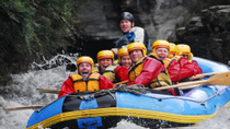 Rafting pelas corredeiras no Rio Shotover em Queenstown, Queenstown, White Water Rafting
