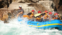 Wildwasser-Rafting auf dem Kawarau River in Queenstown, Queenstown, Wildwasser-Rafting