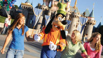 Tur med transport fra Los Angeles til Disneyland eller Disneys California Adventure Park, Los ...
