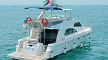 Private Dubai Luxury Cruise by Gulf Craft Yacht, ドバイ