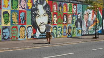 2-Hour Black Taxi Tour of Belfast's Murals and Peace Walls, Belfast, City Tours