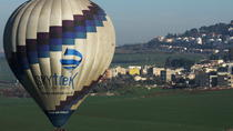 Hot Air Balloon Flight Including Champagne Gourmet Breakfast and Souvenirs, Galilea