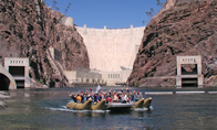 Hoover Dam Top to Bottom per luxe terreinwagen en in een rubberboot varen op de Colorado River, Las ...