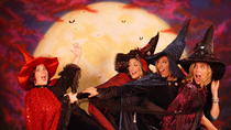 Witch Dress-Up Photoshoot Experience in Salem, Salem, Attraction Tickets