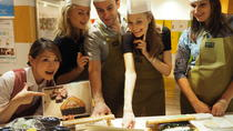 Nihonbashi Gourmet Tasting Tour with Rolled Sushi Cooking Class, Tokyo, Food Tours