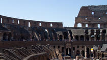 VIP Colosseum Express Tour: Forum-View Breakfast with Gladiators Entrance and Arena Floor, Rom
