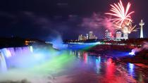 Niagara Falls Day and Evening Tour With Boat Cruise and Optional Fallsview Dinner, トロント
