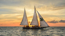 Sonnenuntergang Segel in Key West mit Cocktails und Hors d'Oeuvres, Key West, Sunset Cruises