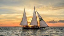 Zonsondergangvaren in Key West met cocktails en Hors D'oeuvres, Key West, Sunset Cruises