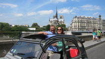 Esclusiva Viator: tour privato di Parigi su Citroen 2CV, Paris, Viator Exclusive Tours