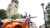 Privétour: geheimen van Parijs in een 2CV, Paris, Private Sightseeing Tours