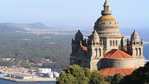 Vinho Verde and Minho Small Group Tour with 2 Gastronomic Experiences 1 Wine Tasting and 1 Gin...