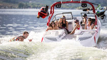 2-Hour Wakeboard and Surf Charter Rental, Kelowna y Okanagan Valley