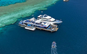 Great Barrier Reef - Tages-Bootstour nach Reefworld, Whitsunday Islands & Hamilton Island, ...
