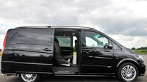 Private Arrival Transfer: Amsterdam Airport to Amsterdam City Center in Luxury Van, アムステルダム