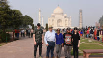 Taj Mahal overnight Sunrise tour with Round trips flights from Bangalore, バンガロール
