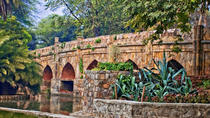 Private Walking Tour of Lodi Garden and Safdarjung Tomb, Neu-Delhi