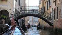 Walking Tour of Hidden Venice and Iconic Gondola Ride, Venice, Gondola Cruises