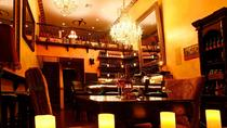 Weinprobe im Vampire Vineyards Tasting Room und Lounge in Beverly Hills, Los Angeles, Wine Tasting & Winery Tours