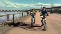 Visit of Bordeaux in electric bike with a travel guide, Bordeaux, Bike & Mountain Bike Tours