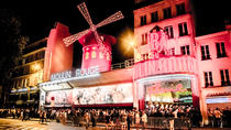 Spectacle au Moulin Rouge : salon VIP avec champagne, Paris, Cabaret