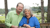 Paula Deen Tour: Trolley Ride and VIP Dinner at Lady & Sons, Savannah, Viator VIP Tours