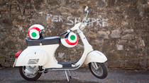 Tour di Firenze in Vespa: colline toscane e cucina italiana, Florence, Vespa, Scooter & Moped Tours