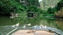 Full Day Hoa Lu and Tam Coc Tour With Lunch, Sampan Boat & Entrance Fees