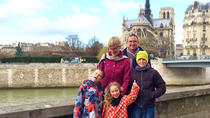 Kids and Families Notre Dame of Paris including Towers and Ile de la Cité Tour, パリ