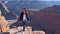 Grand Canyon West Rim, dagstur med fly og bus fra Las Vegas med valgfri Skywalk