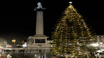 Private Tour: Traditional Black Cab Tour of London's Christmas Lights