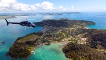 Landausflug Bay of Islands: Hubschrauberrundflug & Hole in the Rock, Bay of Islands, Ports of ...
