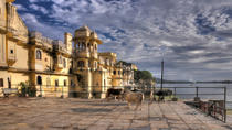 Private Tour: City Palace and Jagdish Temple in Udaipur, Udaipur, null