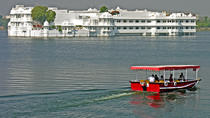 Sunset Boat Cruise on Lake Pichola in Udaipur, Udaipur