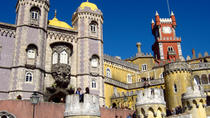Lisbon Super Saver: Small-Group Gourmet Walking Tour and Day Trip to Sintra and Cascais with Pena...