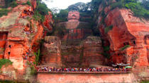 2-Day Private Tour of Leshan Grand Buddha and Emei Shan including Monastery Stay, Chengdu, Day Trips