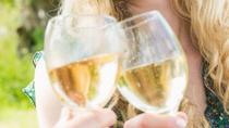 Wine Tour of the Vinho Verde Region from Porto Including Lunch