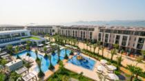 Halong Bay 2 days 1 night transfer limousine sleep on 5 star Royal Lotus Resort and Villa, Hanoi,...