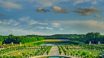 Viator Exclusive: Versailles Palace and Marie-Antoinette's Trianon from Paris