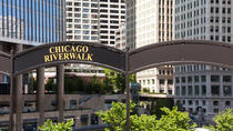 2.5 Hour Walking Tour on the Chicago River Walk, Chicago, Private Sightseeing Tours