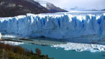 Perito Moreno Glacier Day Trip with Optional Boat Ride from El Calafate, エルカラファテ