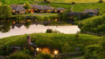 Hobbiton, Waitomo, Rotorua & Taupo Tour from Auckland in Small Groups (2 Days), Auckland, Cultural...