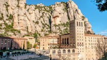 Montserrat Tour from Barcelona Including Lunch and Wine Tasting in Oller del Mas, バルセロナ