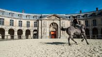 Behind the Scenes of the Royal Stables at Versailles Palace in French, ベルサイユ
