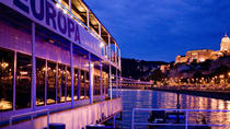 Budapest Christmas Eve Cruise with Dinner and Live Music, Budapest