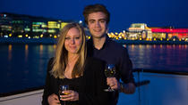 Romantic Couples Package in Budapest: Gellért Spa Visit with Danube Dinner Cruise, Boedapest