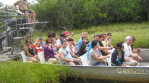 Florida Everglades Airboat Tour and Alligator Show from Fort Lauderdale, フォートローダーデール